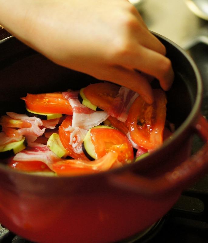 トマトとナスと豚バラの重ね蒸し